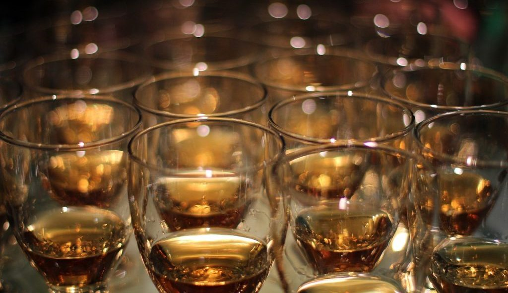 best whiskey glasses cover photo