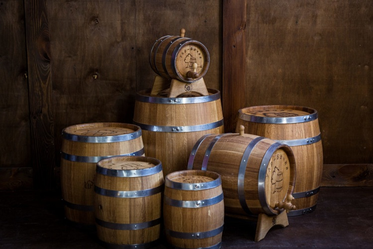 Oak barrels Infuse Different Flavors Into the Whiskey