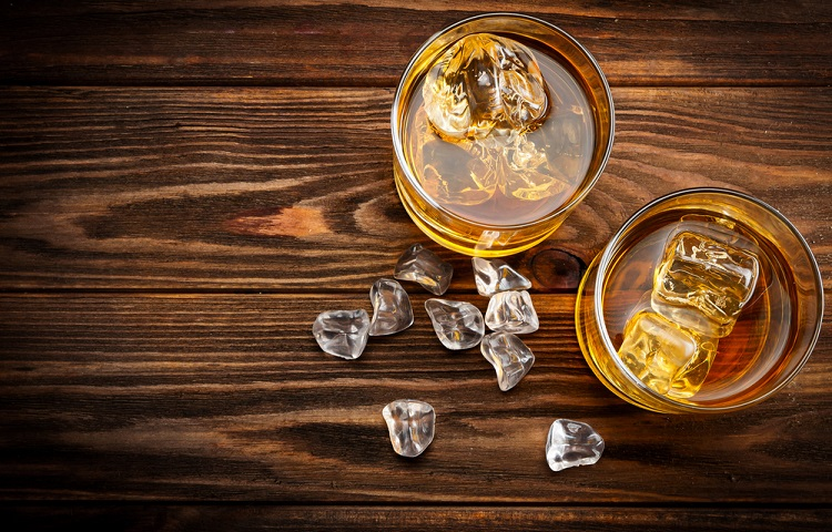 differences between single malt and blended whiskey